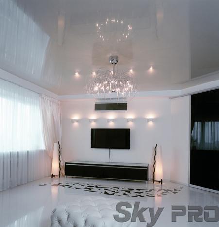 белый глянцевый натяжной потолок фото