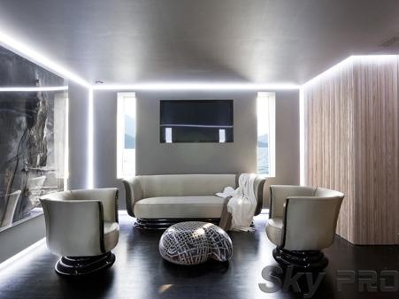 парящий матовый натяжной потолок с подсветкой