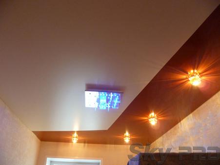Спайка глянцевого и матового натяжного потолка